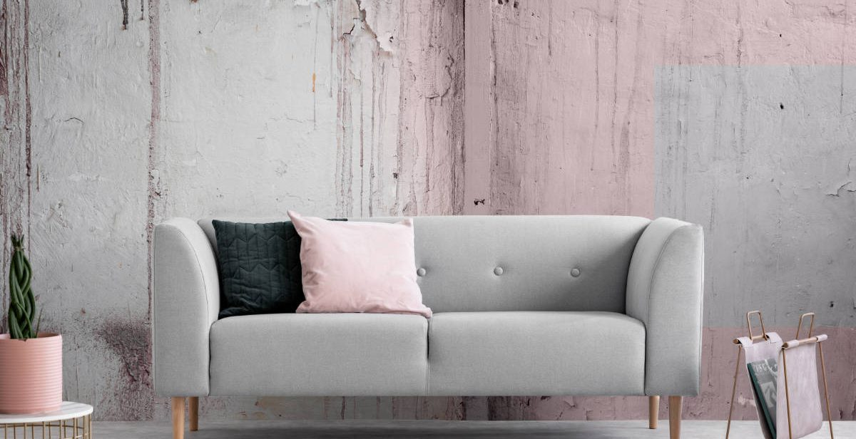 Shabby Chic sofa and wall
